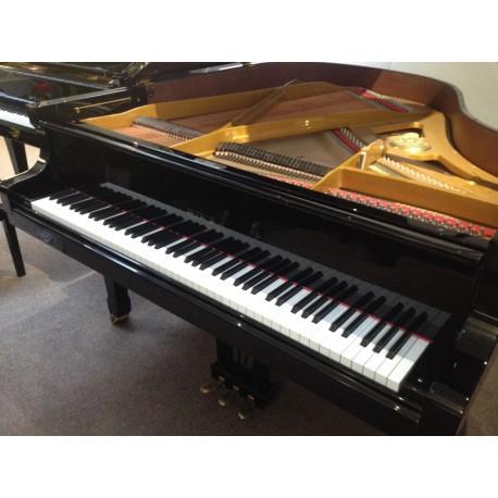 Piano 1/4 de queue Petrof P170